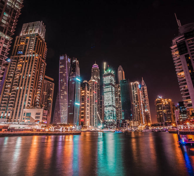 Dubai Marina Skyline bei Nacht