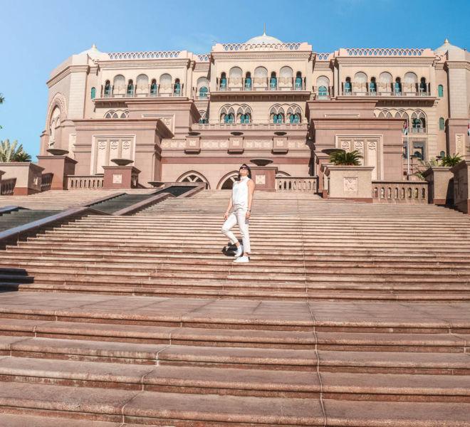 Stufen zum Hotel