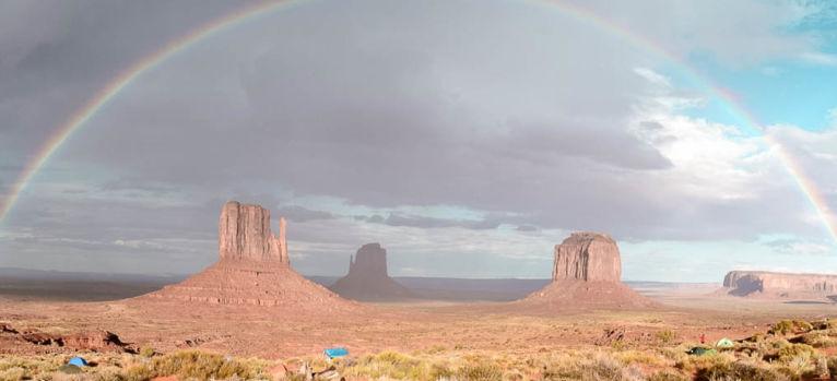 Panorama Monument Valley Regenbogen