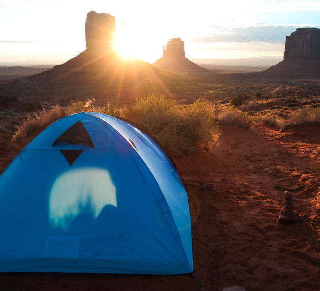 Sonnenaufgang Monument Valley Zelten